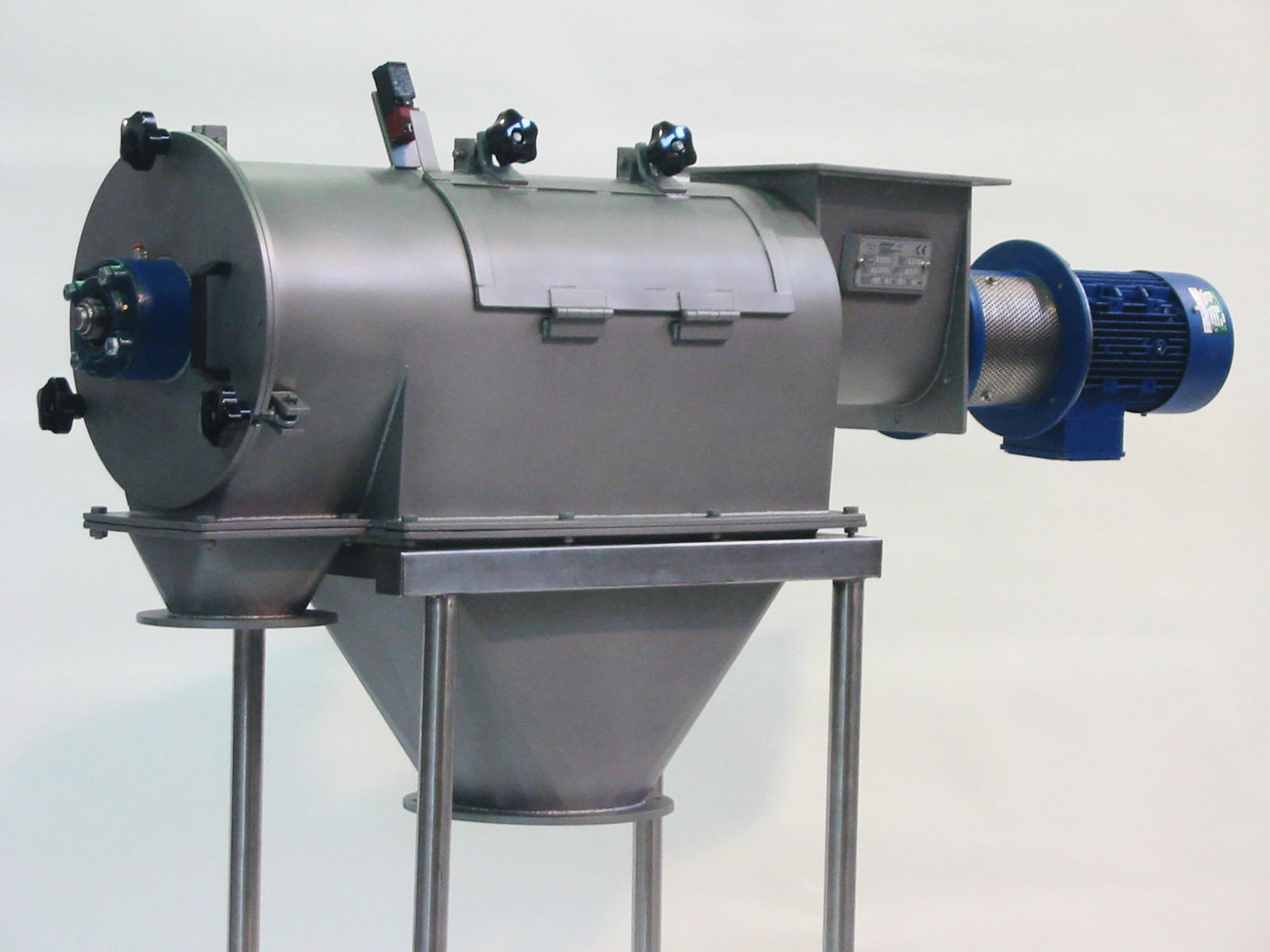 Rotary screen for perfect sifting and sieving