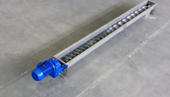 Customized screw conveyor solutions for high-quality mixing